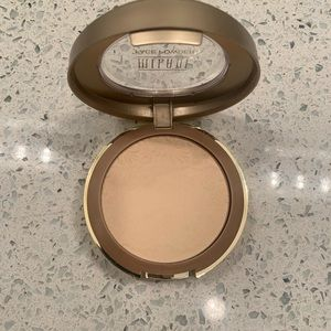 Milani face powder 02